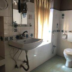 Отель Guheswori bed and breakfast Непал, Лалитпур - отзывы, цены и фото номеров - забронировать отель Guheswori bed and breakfast онлайн ванная фото 2