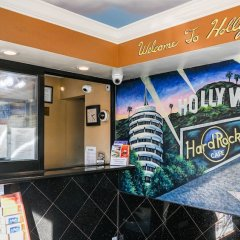 Отель Hollywood Inn Express North Лос-Анджелес интерьер отеля