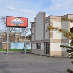 Отель Northwood Inn & Suites Блумингтон парковка