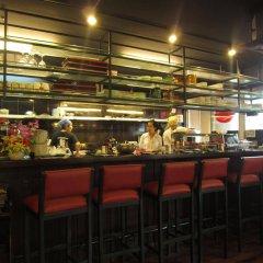 Апартаменты Saigon Court Serviced Apartment Хошимин гостиничный бар