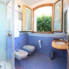 Отель La Torre Италия, Региональный парк Colli Euganei - отзывы, цены и фото номеров - забронировать отель La Torre онлайн ванная фото 2
