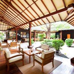 Отель Adaaran Select Meedhupparu Медупару гостиничный бар