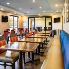 Отель Rodeway Inn & Suites Niagara Falls США, Ниагара-Фолс - отзывы, цены и фото номеров - забронировать отель Rodeway Inn & Suites Niagara Falls онлайн помещение для мероприятий