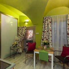 Апартаменты Charming Prague Apartments At Black Star Прага комната для гостей фото 4