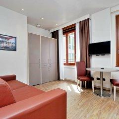 Отель Duomo - Apartments Milano Италия, Милан - 2 отзыва об отеле, цены и фото номеров - забронировать отель Duomo - Apartments Milano онлайн комната для гостей