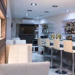 Отель Epidavros Hotel Греция, Афины - 7 отзывов об отеле, цены и фото номеров - забронировать отель Epidavros Hotel онлайн гостиничный бар