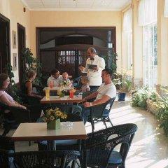 Отель MLL Palma Bay Club Resort гостиничный бар
