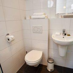 Отель Pension Homeland Амстердам ванная
