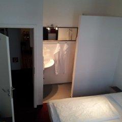 Отель Pension Am Jakobsplatz Мюнхен сейф в номере