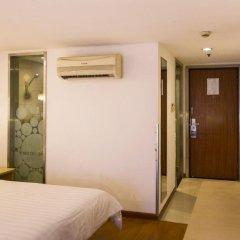 Отель Motel Shanghai West Gaoke Road New International Expo Centre сейф в номере