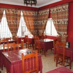 Отель Hostal Malia Испания, Кониль-де-ла-Фронтера - отзывы, цены и фото номеров - забронировать отель Hostal Malia онлайн питание