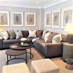 Апартаменты MONDRIAN Luxury Suites & Apartments Warsaw Market Square комната для гостей