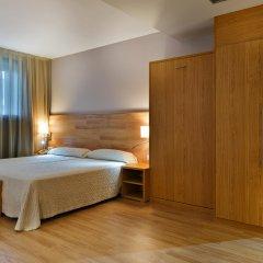 Hotel Acta Azul Барселона сейф в номере