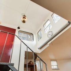 Апартаменты Houseboat Apartments - Canal Belt East Area интерьер отеля