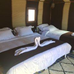 Отель Le Mirage Erg Chebbi Luxury Desert Camp Марокко, Мерзуга - отзывы, цены и фото номеров - забронировать отель Le Mirage Erg Chebbi Luxury Desert Camp онлайн комната для гостей фото 2