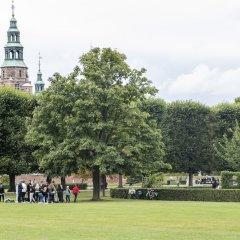 Отель Huge 5 bed-2 bath home in center Дания, Копенгаген - отзывы, цены и фото номеров - забронировать отель Huge 5 bed-2 bath home in center онлайн спортивное сооружение