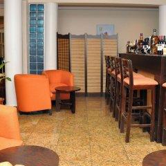 Отель Sparklyn Hotels & Suites гостиничный бар