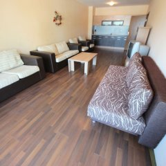 Апартаменты Menada Villa Bonita Apartments Солнечный берег комната для гостей фото 5