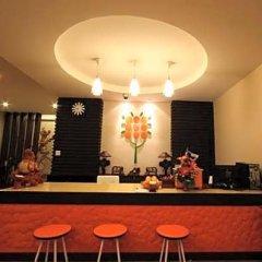 Отель Orange Tree House гостиничный бар
