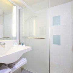 Отель Novotel Zurich City West ванная фото 2