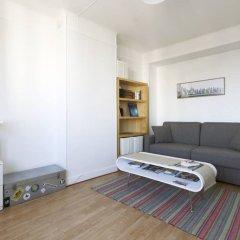 Апартаменты Modern Studio Near Montmartre 18th Arrondissement комната для гостей фото 2
