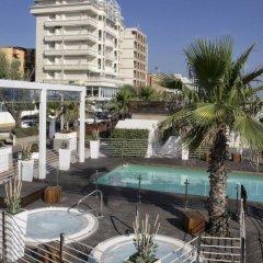 Hotel Tiffanys бассейн