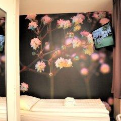Отель Tourist Inn Budget Hotel - Hostel Нидерланды, Амстердам - 1 отзыв об отеле, цены и фото номеров - забронировать отель Tourist Inn Budget Hotel - Hostel онлайн детские мероприятия фото 4