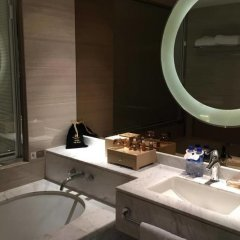 Отель Shanghai Hongqiao Airport Hotel-air China Китай, Шанхай - отзывы, цены и фото номеров - забронировать отель Shanghai Hongqiao Airport Hotel-air China онлайн ванная