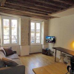 Апартаменты Saint Denis Apartment Париж комната для гостей фото 4