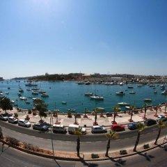 Отель The Waterfront Hotel Мальта, Гзира - отзывы, цены и фото номеров - забронировать отель The Waterfront Hotel онлайн пляж