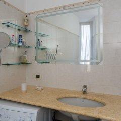 Отель Hintown Castelletto City Генуя ванная фото 2