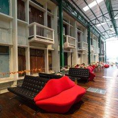Yodsiam Hostel интерьер отеля