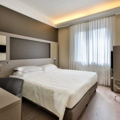 Hotel Astoria, Sure Hotel Collection by Best Western сейф в номере