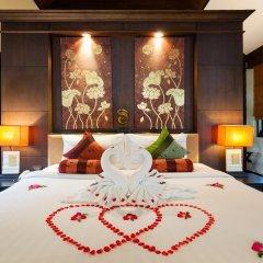 Отель Alpina Phuket Nalina Resort & Spa сейф в номере