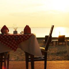 Отель The Beach Boutique Resort гостиничный бар
