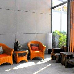 Отель The Album Loft at Phuket интерьер отеля
