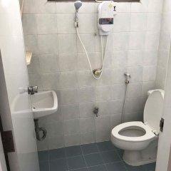 Отель Tat Residence Бангкок ванная