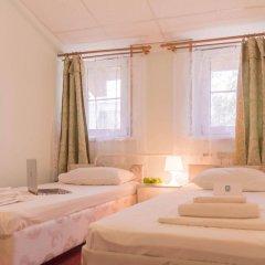 Гостиница Андрон на Площади Ильича комната для гостей фото 3