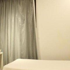 Отель Hostal Fina Испания, Барселона - отзывы, цены и фото номеров - забронировать отель Hostal Fina онлайн комната для гостей