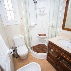 Отель Opening Doors Mallorca Испания, Барселона - отзывы, цены и фото номеров - забронировать отель Opening Doors Mallorca онлайн ванная