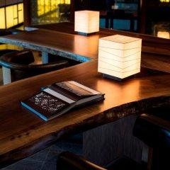 Отель Andaz Tokyo Toranomon Hills - a concept by Hyatt Япония, Токио - 1 отзыв об отеле, цены и фото номеров - забронировать отель Andaz Tokyo Toranomon Hills - a concept by Hyatt онлайн интерьер отеля