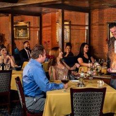 Отель Four Queens Hotel and Casino США, Лас-Вегас - отзывы, цены и фото номеров - забронировать отель Four Queens Hotel and Casino онлайн питание фото 2