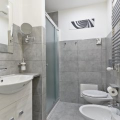 Отель B&B Tohouse Deluxe Италия, Турин - отзывы, цены и фото номеров - забронировать отель B&B Tohouse Deluxe онлайн ванная фото 2