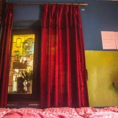 Отель Fireflies Hostel Непал, Катманду - отзывы, цены и фото номеров - забронировать отель Fireflies Hostel онлайн комната для гостей фото 2