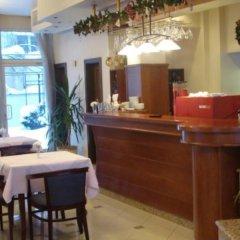 Отель Kapri Hotel Болгария, София - отзывы, цены и фото номеров - забронировать отель Kapri Hotel онлайн гостиничный бар