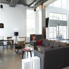 Отель Alt Hotel Toronto Airport Канада, Миссиссауга - отзывы, цены и фото номеров - забронировать отель Alt Hotel Toronto Airport онлайн комната для гостей фото 3