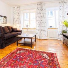 Отель Apartdirect Gamla Stan Стокгольм комната для гостей