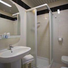 Отель Due Mari Римини ванная