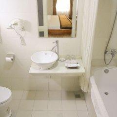 Отель Cherry Hotel 2 Вьетнам, Ханой - отзывы, цены и фото номеров - забронировать отель Cherry Hotel 2 онлайн ванная фото 2