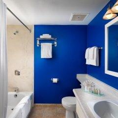Отель Huntingdon Manor Hotel Канада, Виктория - отзывы, цены и фото номеров - забронировать отель Huntingdon Manor Hotel онлайн ванная фото 2